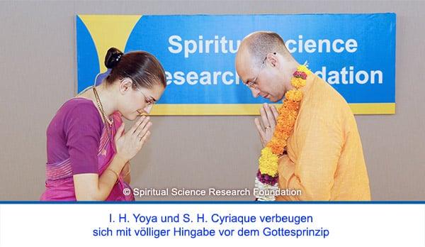 Der spirituelle Weg Seiner Heiligkeit Cyriaque Vallees - Verbeugung in völliger Hingabe vor dem Gottesprinzip