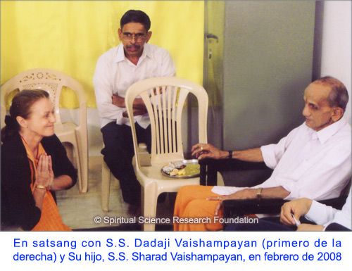 6-SPA-p-lola-with-pp-dadaji-maharaj