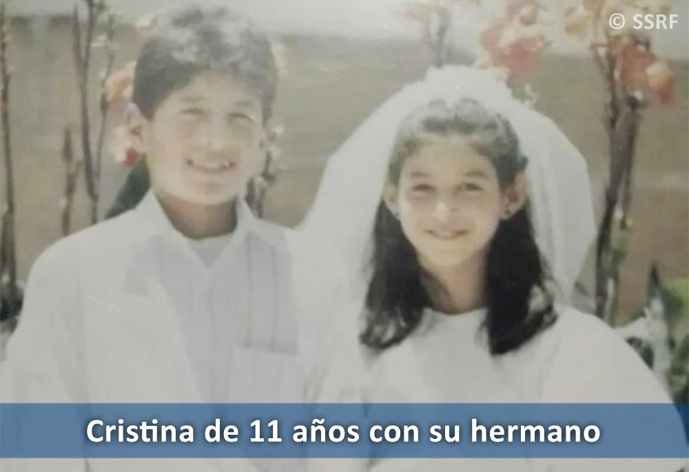 SPA-11-year-old-Cristina-with-her-brother-(1)