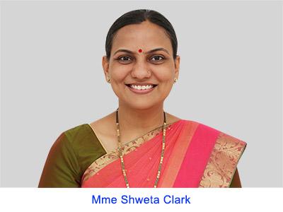 Expériences spirituelles lors à la Pitrupaksha – Mme. Shweta Clarke