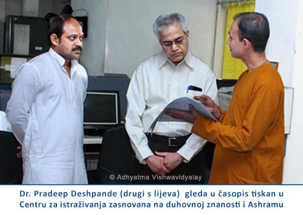 Scientists-in-ashram-CRO