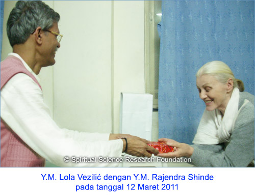 8-IND_p-lola-with-p-rajendra-2011