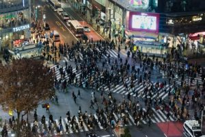 pikiran kita seperti zebracross yang sibuk , mirip seperti Zebracross Shibuya di Tokyo, Jepang
