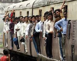 crowded_train