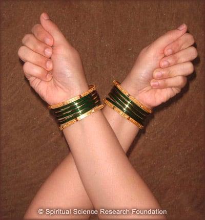 Method 2: Step 3 - crossing hands
