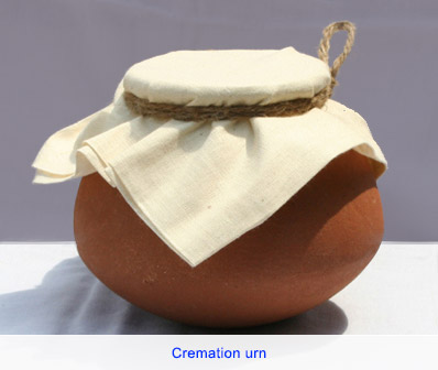 Scattering ashes - cremation urn