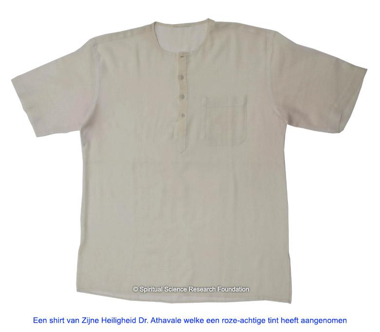 Shirt-turned-pink-due-to-spiritual-love