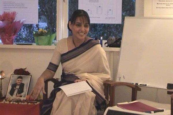 Sharon Clarke-Sequeira giving the Gurupurnima lecture