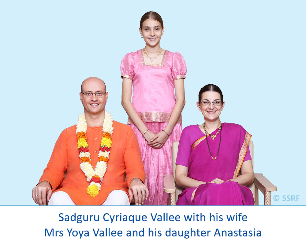 Sadguru Cyriaque Vallee with his wife Mrs Yoya Vallee and his daughter Anastasia