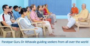 Paratpar Guru Dr Athavale guiding seekers from all over the world